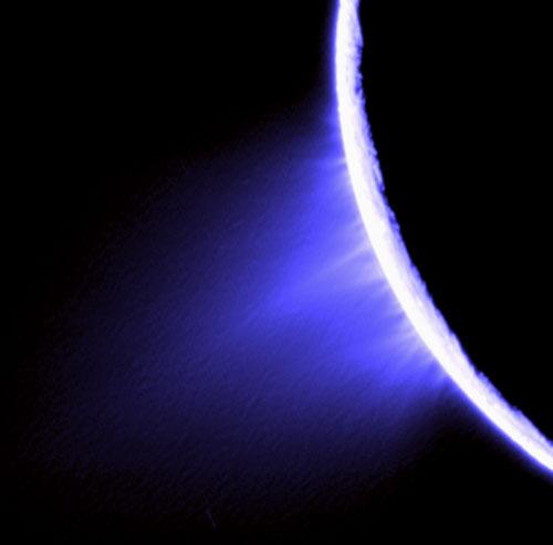 Cryovolcanisme sur le pôle sud d'Encelade